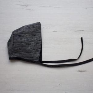 capota negro y gris