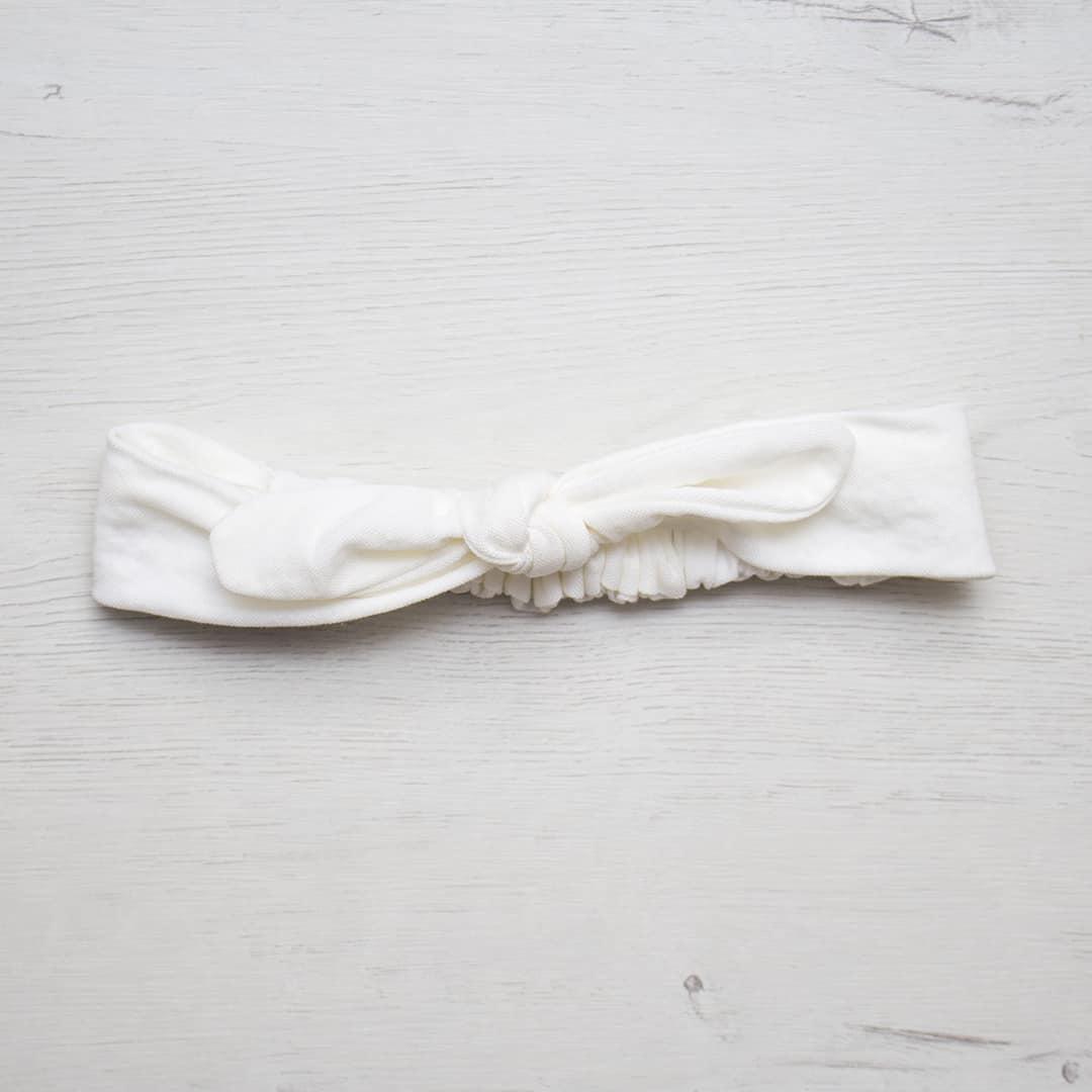 turbante blanco lazo